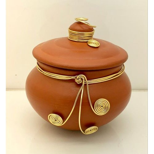 Coated Brown Embellished Clay Pot, for Kitchen Storage,Gifting, Capacity: 200-500 G