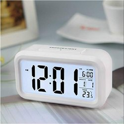 Table Clock With Automatic Sensor