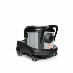 Comac Black Commercial Dry Vacuum Cleaner, Model Name/Number: Piccolo Inox