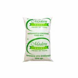 Modern 1 L Toned Milk, Packaging: Packet