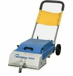 Escalator Cleaning Machine