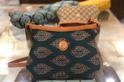 Slibg Bag Multicolor JAPURI PRINT SLING, Size: 10