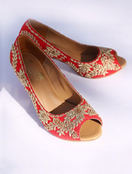 Red Raw Silk Shoes Vsh14101621
