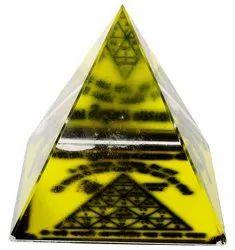 Kesar Zems Glass Vahan Durghatna Nashak Pyramid (6 cm x 6 cm x 6 cm, Clear)