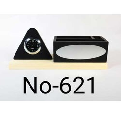 621 Modern Table Top  Pen Stand