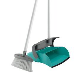 Closed Dustpan with Broom