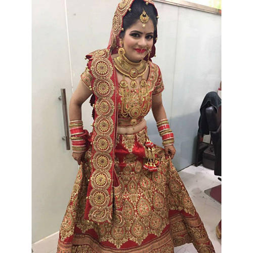 Red All Sizes Indian Bridal Lehenga On Rent, Rs 8500 /piece | ID ...