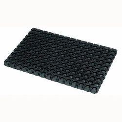 Hole Mat