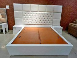 White DESIGNER BED, With Box, Size: 6.3 X 6 Feet