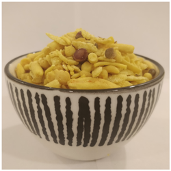 Delicious Namkeen Khatta Meetha Mixture Namkeen, Packaging Type: 20 Kg Box