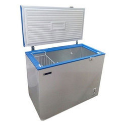 Blue Star Deep Freezer, Capacity: 100 L