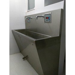 Automatic Scrub Station