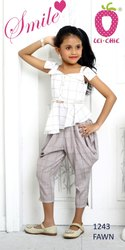 Trendy Check Stylish Top And Dhoti