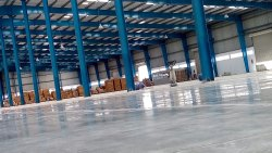 Glossy Industrial Floor Polishing Service