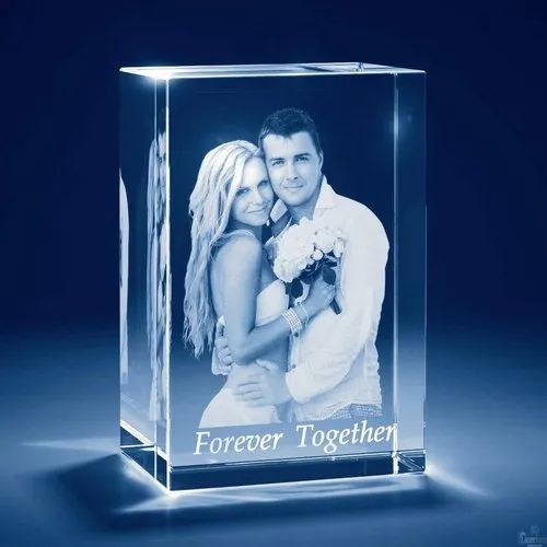 Transparent 3D Gifting Engraved Crystal Photo Frame, 4x3