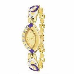 Party Wear Analog Ladies Golden Wrist Watch
