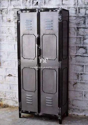 Black And Industrial FurnitureRoots Vintage Industrial Metal Locker from Restaurants