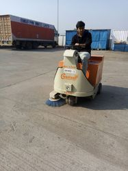 Battery Operated Sweeping Machine