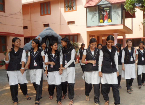 Divine Fashion Designing School Ottappalam School College Coaching Tuition Hobby Classes Of Fashion Designing Course And Garment Manufacturing Technology Course