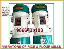 3 Vibrator Motors 1 HP, Power: 10-100 KW