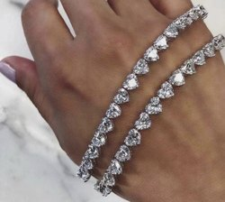 Single Line Heart Moissanite Bracelet