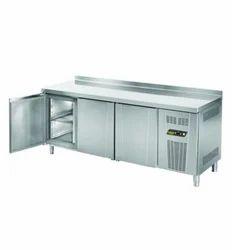 Counter Type Freezer, 0-8 Degree C, Capacity: 550 Litre