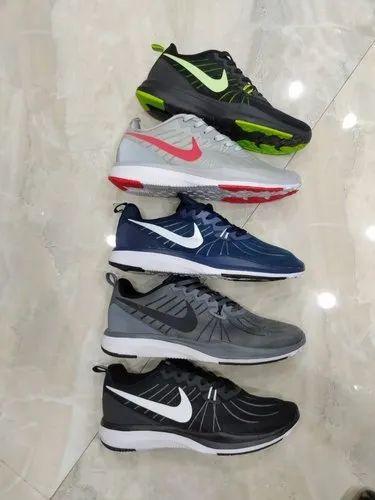Podrum vrijeme savijen nike in adidas shoes - sperenzi.com