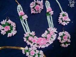 Pink flowers jewellery