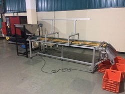 Flat Belt Conveyors for Material Handling