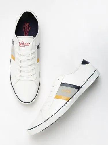 Men Casual Wear Roadster White Sneakers