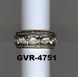 真正雕刻的银色单切钻石戒指为派对穿