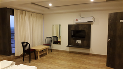 Suite Room Rental Service