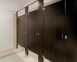 Toilet Partitions At Best Price In India - Bathroom partitions prices