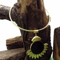 GOLD PLATED LEAF DESIGN NECKLACE