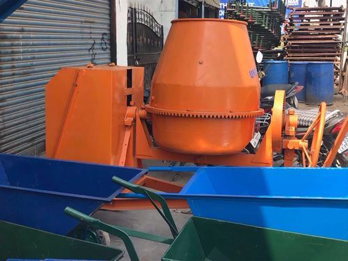 5 Hp Tilting Concrete Mixer With Kirlosker Engine, Output Capacity: 560 Liters