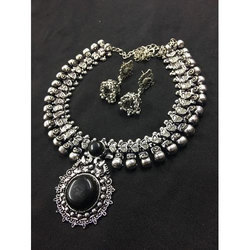 Black Metal Necklace Set, Size: 18 Inch