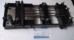 Thin Strip Pneumatic Feeders, Automation Grade: Automatic, Model Name/Number: Rdm - Series
