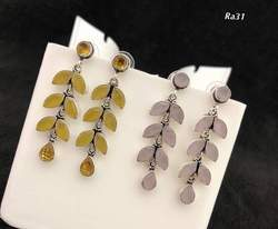 LONG COLOR STONE EARING