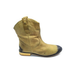 Woody Winter Wear And Ladies Shoes