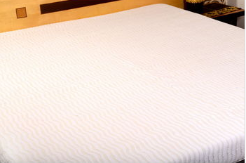Ratios white wave applique bed cover बिस्तर का आवरण