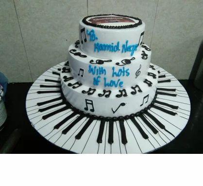 162 Music Piano 2 Tier 3 Cake