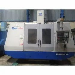 Used & Old Deawoo Mynx 500 Vertical Machine Center