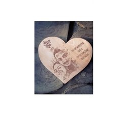 Brown Wooden Couple Gift Art, Size: 5*5 Inch