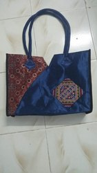 Sanskruti handicraft Embroidery handbag Kachi Jatt work