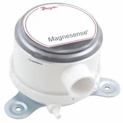 Dwyer MS - 121 Magnesense Differential Pressure Transmitter