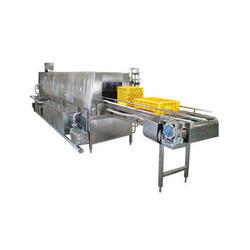 IDEF Stainless Steel Crate Washer, Rated Capacity: 800 crates, Production Capacity: 400 To 2000 Cph