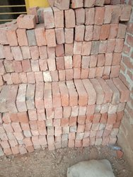 A Garde Clay Red bricks, Size: 9In.x4.75In.x3In., for Side Walls