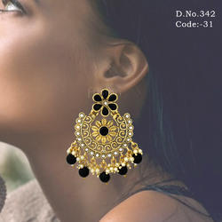 Traditional Antique Chandelier Earring