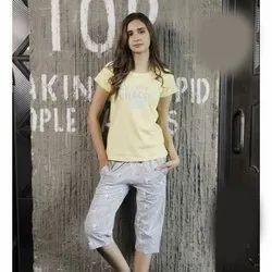 Half Sleeve Printed Ladies Cotton T Shirt And Capri