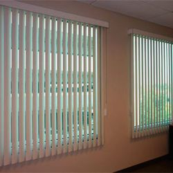 horizontal and the blinds vertical between difference window vs